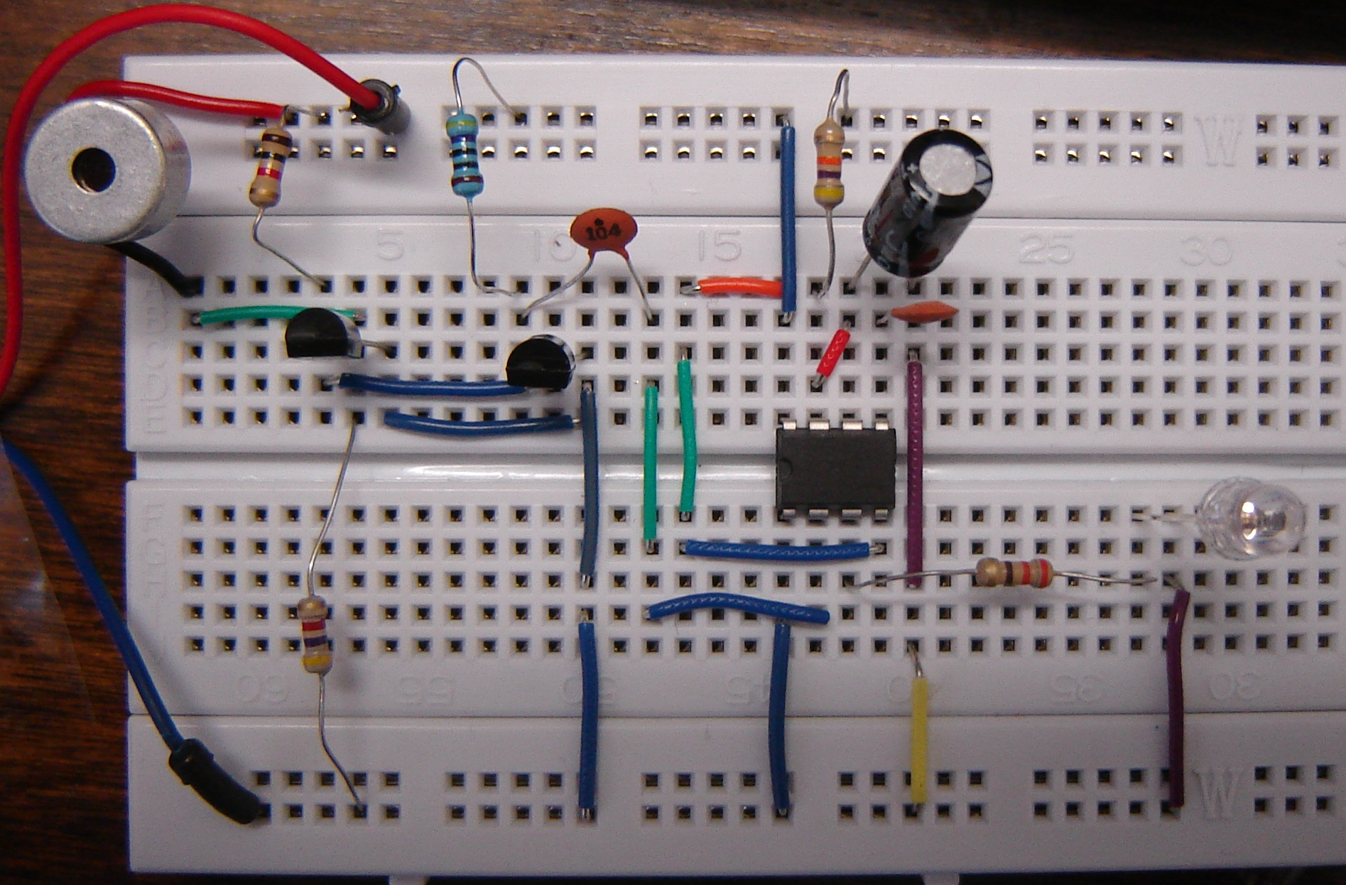 Troubleshooting Electronic Projects Buildcircuit Electronics 555 Timer A Complete Basic Guide