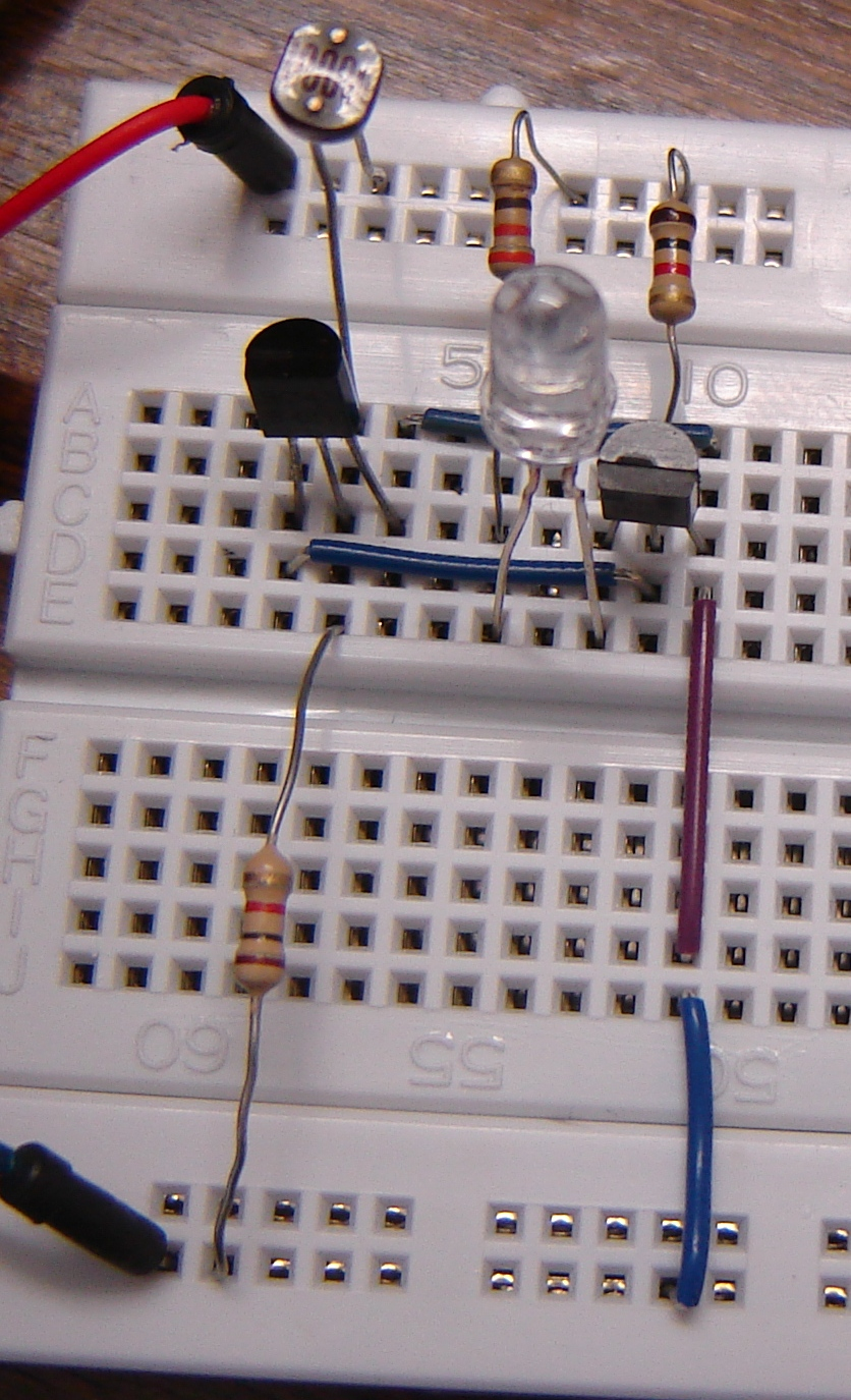 Dark Sensor Using Two Transistors Buildcircuit Electronics How To Use The Diy Clap Switch Build Circuit Components For This Experiment Are Available At Buildcircuitnet